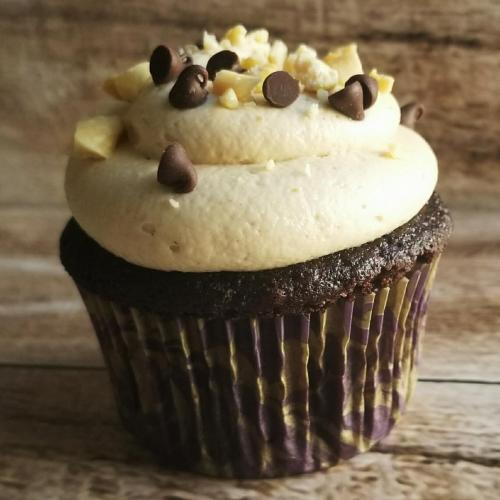 Peanut Butter N Chocolate Cupcakes